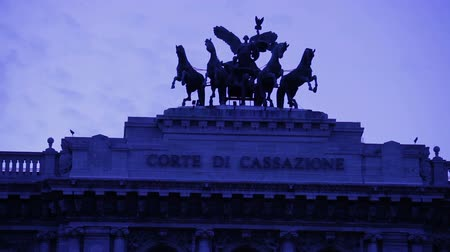 corte : Close up shot of the roof of the Corde di cassazine of the statues on top.