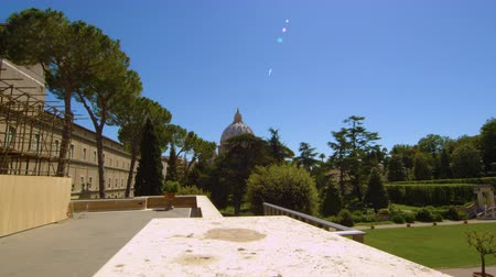 запутанный : Still shot of the Vatican from a platform off in the distance. Footage is shot through the trees. Shot on May 5,2012 Стоковые видеозаписи