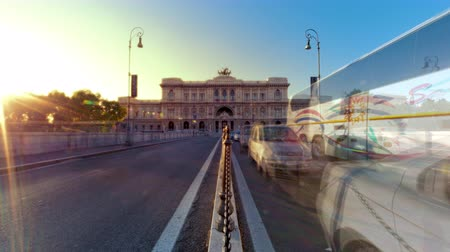 roma : Time-lapse shot of the Palace of Justice from the bridge at sunset. Shot in Rome