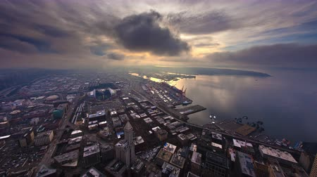 реальное время : Time lapse overlooking Centurylink and Safeco Field towar Harbor Island in Seatle.