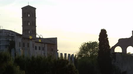 оставаться : Footage inside the ruins of Constantines Basilica as the sun sets. Filmed in Rome,Italy on May 6,2012