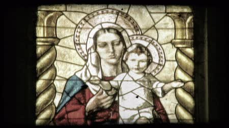 catedral : Shot of a stained glass window in a cathedral in Italy. Vintage stylized video clip.