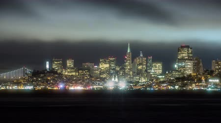 A cityscape timelapse of San Francisco, California at night Стоковые видеозаписи
