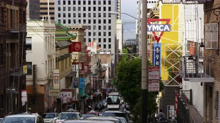 san francisco : Static shot of a busy street in Chinatown, San Francisco