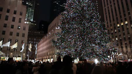 centrum : Huge decorated christmas Tree with lights and bulbs, New York. Dostupné videozáznamy