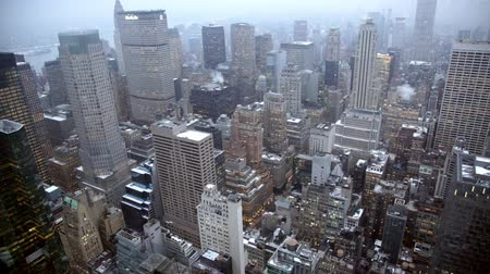 небоскреб : Static shot looking over Manhattan New York from the Rockefeller Center.