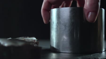 ocet : View of a tin cylinder on a black background. Wideo