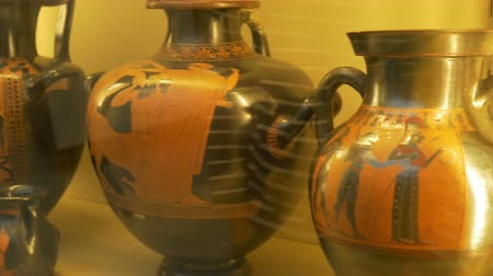 kamenina : Ancient Greek large pottery with beautiful paintings on depicting mithological scenes. Dostupné videozáznamy