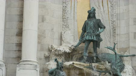 budapeste : Buda Castle Medieval Fountain depicting king Mathias of Hungary at hunting.