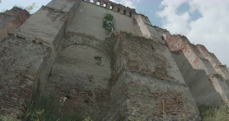 old times : Walking along a fortress in ruin in Transylvania. Stock Footage