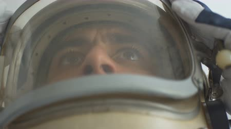 Astronaut portrait with the helmet on. Stok Video
