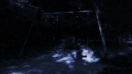 mese : Ghosts on empty swings.