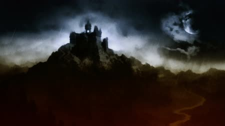 zamek : Scary dark castle on the hill above the river. Wideo