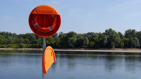 salva vidas : Lifebuoy prepared for use.