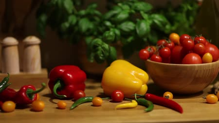 диета : Organic vegetables, healthy food concept, dolly shot.