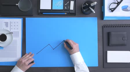 ksiegowosc : Businessman drawing a financial arrow growing chart with a marker, marketing and business success concept
