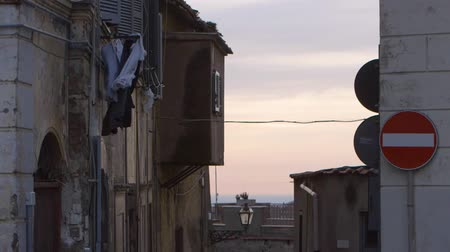 kurutma : Clothes in the air in Naples This clip was shot with a Canon C300
