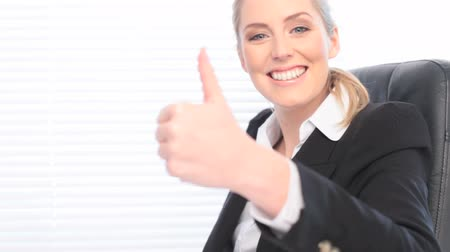 efektivní : Happy Confident Businesswoman with big smile, close up and copyspace Dostupné videozáznamy