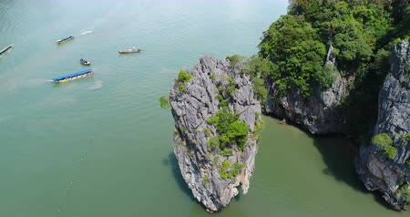 bağ : Aerial view of James Bond island and beautiful limestone rock formations in the sea, Thailand Stok Video
