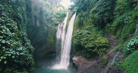 espetacular : Aerial drone view of beautiful Aling Aling waterfall in nothern Bali, Indonesia