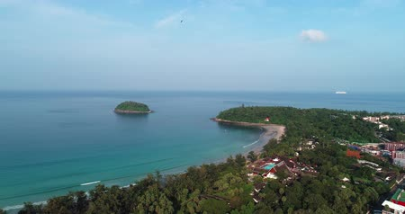 страна чудес : Aerial drone view of Kata Beach in Phuket during beautiful sunny day, Thailand