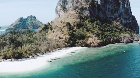 известняк : Aerial drone view of beautiful tropical Poda Island in Thailand