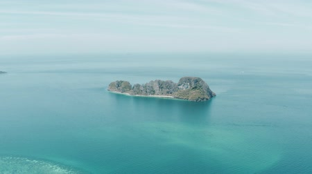 石灰岩 : Aerial drone view of beautiful tropical Bamboo Island from distance, Thailand