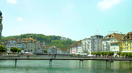 suisse : lucerne switzerland cityscape buildings, lake and bridge