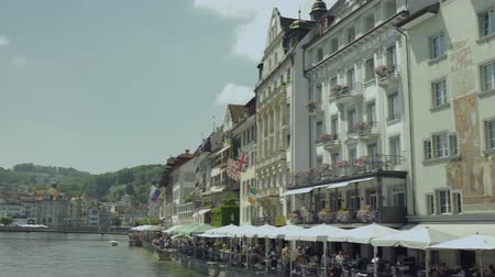 suisse : View of building along the Reuss River in the evening, LUCERNE, SWITZERLAND 4K UHD
