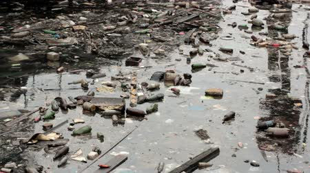 guba : A large amount of trash polluting our waters