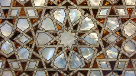гравюра : Zooming in on the mother of pearl found in the New Mosque in Istanbul Turkey