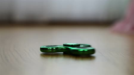 rolamento : green spinner stops after torsion.