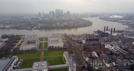 greenwich : Aerial view of Greenwich University and Canary Wharf 4K Stock Footage
