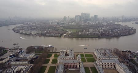 greenwich : Flying towards Canary Wharf over the Greenwich University aerial 4K footage