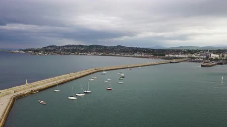 irlanda : Aerial view of sailing boats, ships and yachts in Dun Laoghaire marina harbour, Ireland
