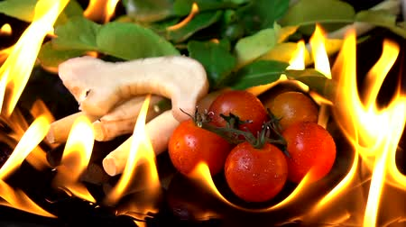 azedo : Grilling Thai Herb Tom Yam spicy soup on black background Stock Footage