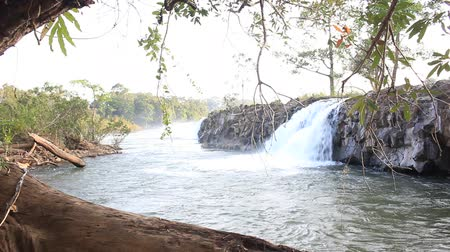 genuíno : Tad Hua Khon Waterfalls