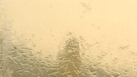ulewa : Rain dropping on the window