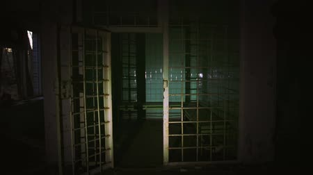 hapsedilme : Old abandoned prison cell in the dark