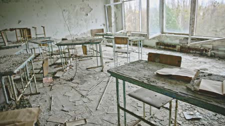 cursus : Abandoned Classroom in School number 5 of Pripyat, Chernobyl Exclusion Zone 2019