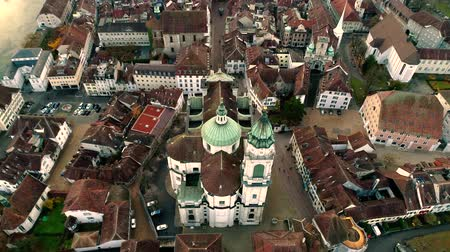 paisagem urbana : Fascinating 4k aerial drone landscape view on big medieval ancient city with old architecture building church by river