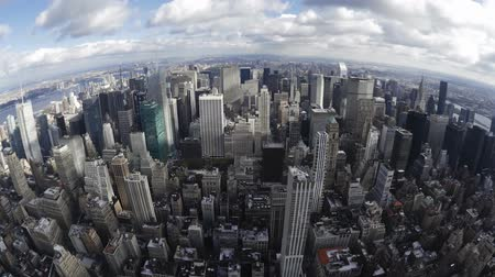 felhőkarcolók : Impressive fish eye time lapse panorama view on modern architecture towers skyscrapers of New York Manhattan downtown