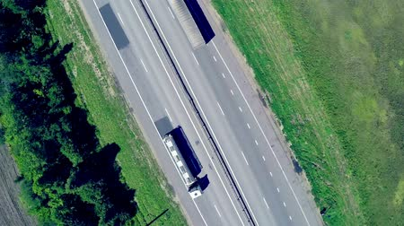 ciężarówka : Aerial view of a highway with cars driving along a road. The gas station, hotel and road service. Wideo