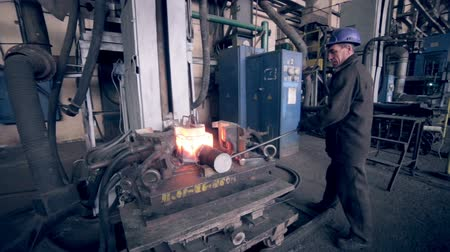 çinko : Metal production worker on his workplace. Stok Video