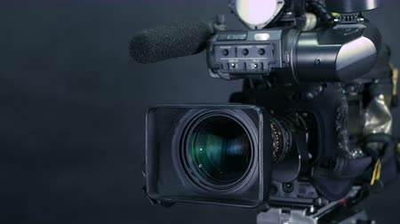 videocamera : Studio broadcasting camera. Slider shot.