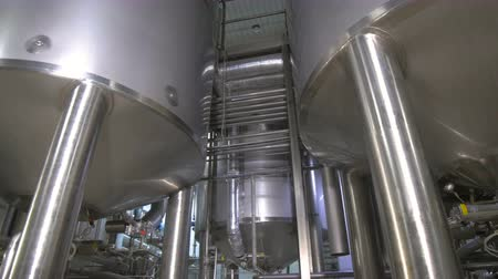 paslanmaz : Production tanks, storages at a brewery. Pipline at a brewery factory. Stok Video