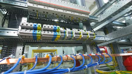 disjuntor : Electrical substation. Electrical rack with cables, wires and connections. Vídeos