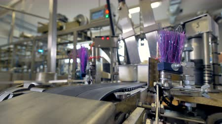 konzervipar : Automated production line. Modern food technology conveyor. 4K.