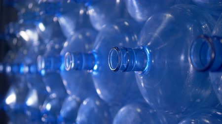 galão : Macro view on necks of empty water cooler bottles. Vídeos