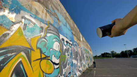 geçen : A first person view on a graffiti artist finishing a piece. Stok Video